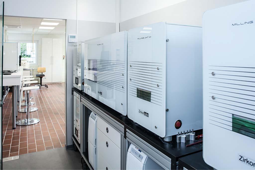 Top ausgestattete Laborräume